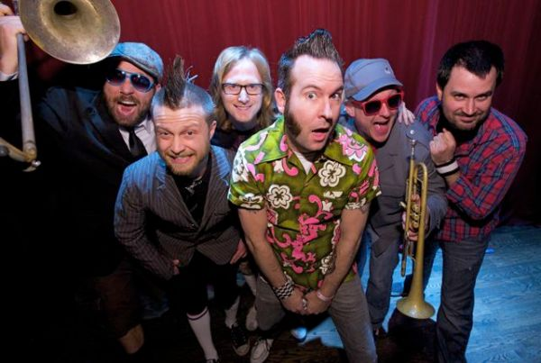 Video interview reel big fish warped tour edition video for Reel big fish